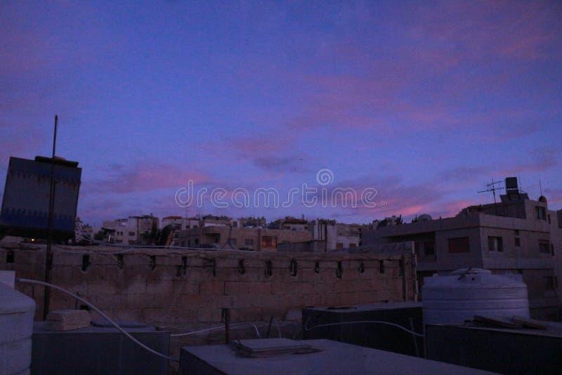 Mañana de la salida del sol del cielo foto de archivo