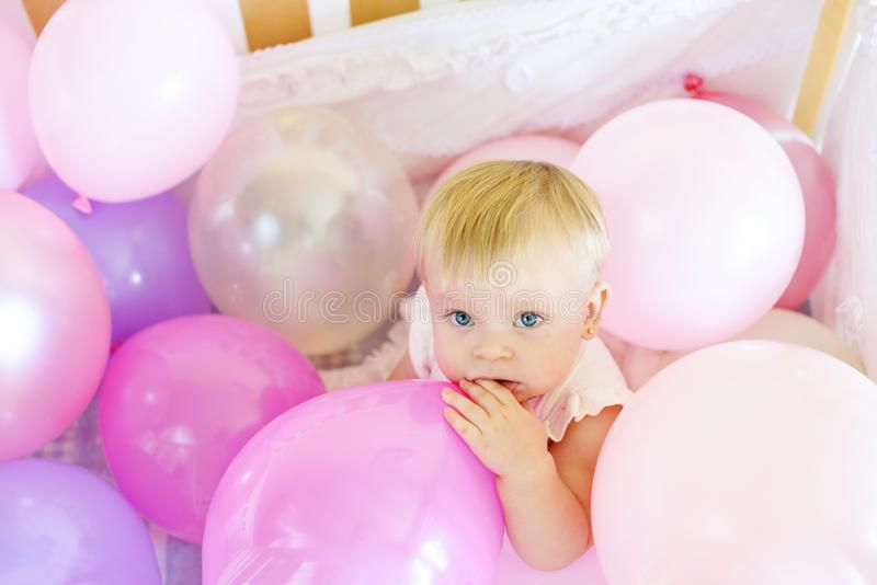 Mañana de un bebé del cumpleaños imagen de archivo