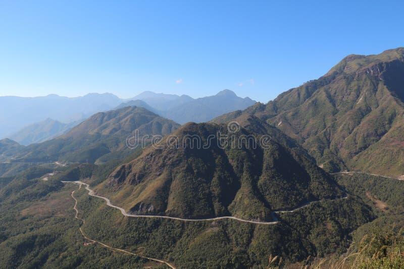 Mañana en la montaña imagen de archivo libre de regalías