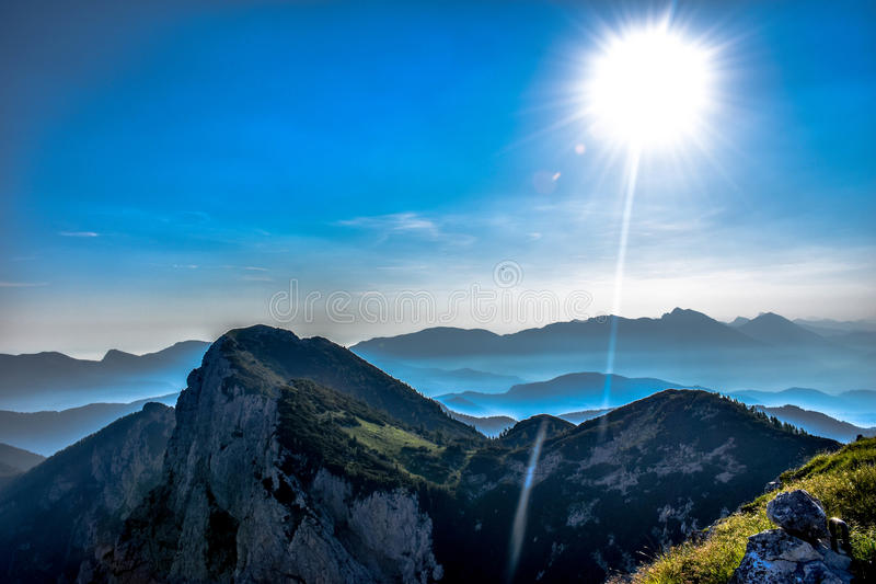 Mañana hermosa asombrosa en Julian Alps imágenes de archivo libres de regalías