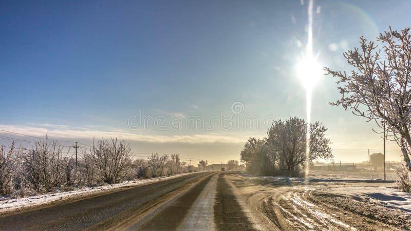 Mañana soleada en la manera de trabajar foto de archivo libre de regalías