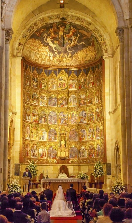 Małżeństwo panny młodej apsydy Antycznego domu Salamanca Stara katedra Hiszpania obrazy stock
