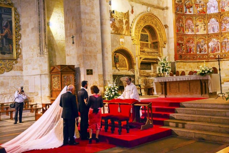 Małżeństwo panny młodej apsydy Antycznego domu Salamanca Stara katedra Hiszpania fotografia royalty free