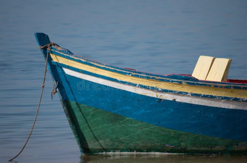 Mała łódka z siedzeniami obrazy royalty free
