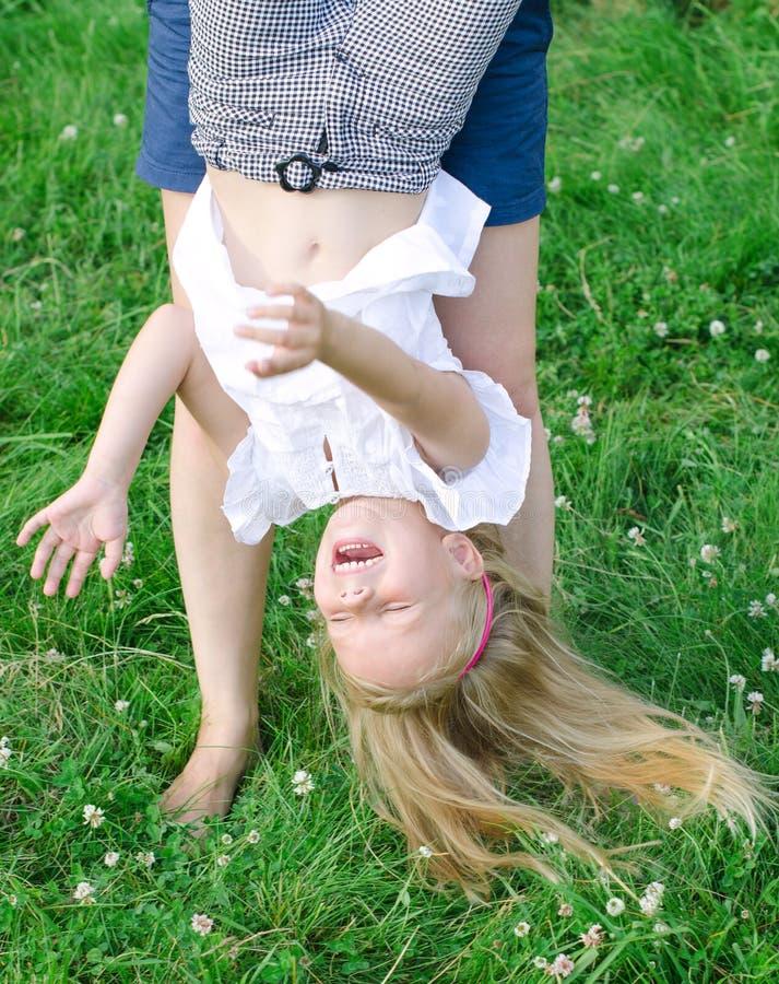 Mała śmieszna dziewczyna zdjęcie stock