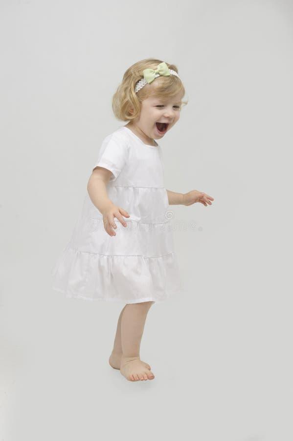 Mała bawić się dziewczyna zdjęcia stock