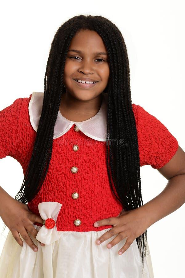Mała dziewczynka z rękami na biodrach zdjęcie royalty free