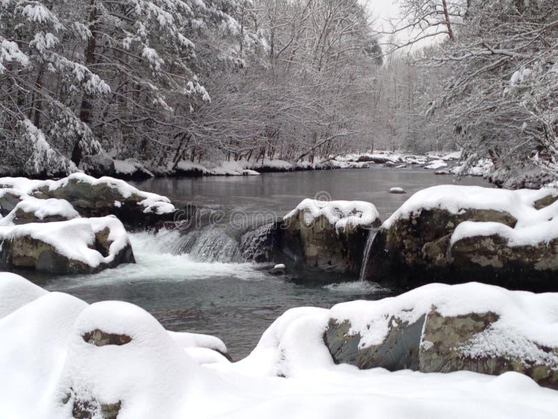 Mała Gołębia rzeka, śnieg obrazy royalty free