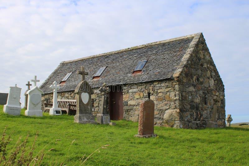 Mała kaplica i cmentarz zdjęcie stock