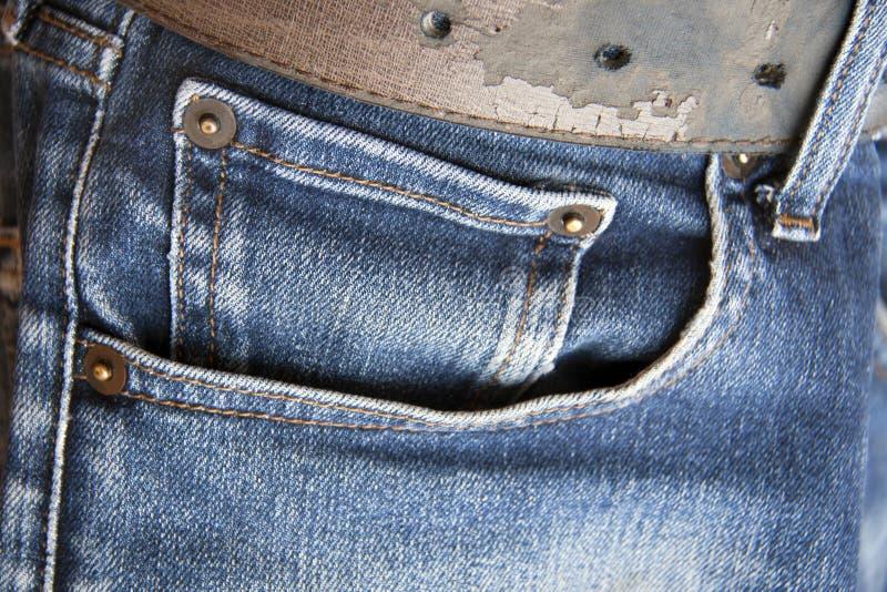 Mała kieszeń w frontowej kieszeni niebiescy dżinsy zdjęcie stock