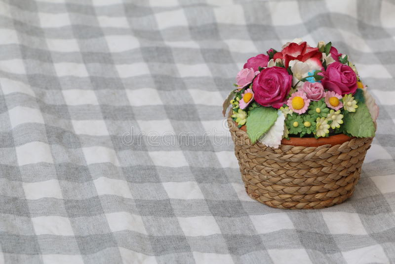 Mała kwiatu kosza miniatura fotografia stock