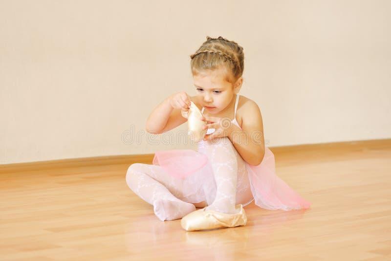 Mała piękna balerina obrazy stock