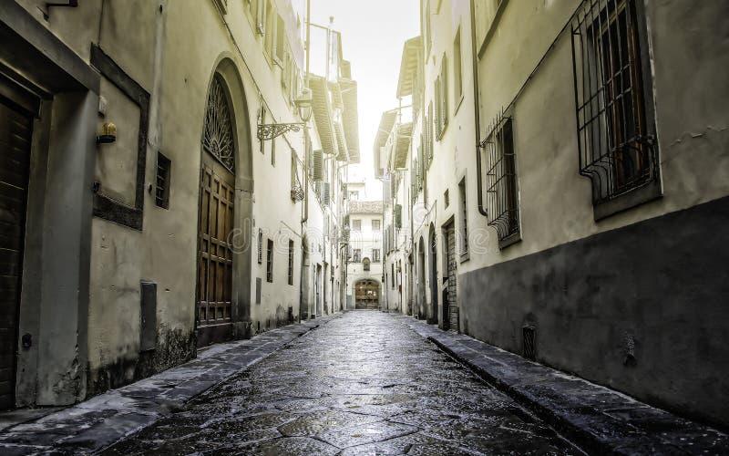Mała stara ulica w Florencja Firenze obraz stock