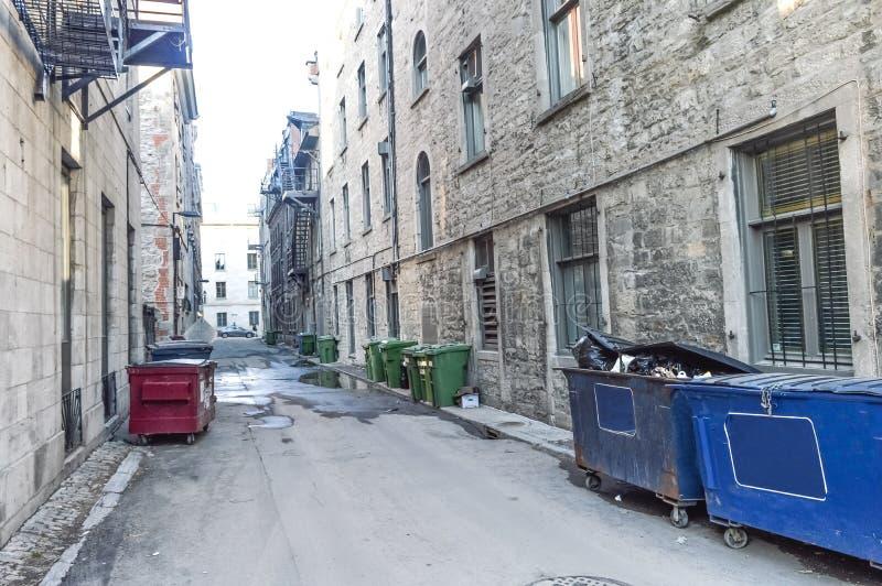 Mała wąska ulica w Starym Montreal obrazy stock