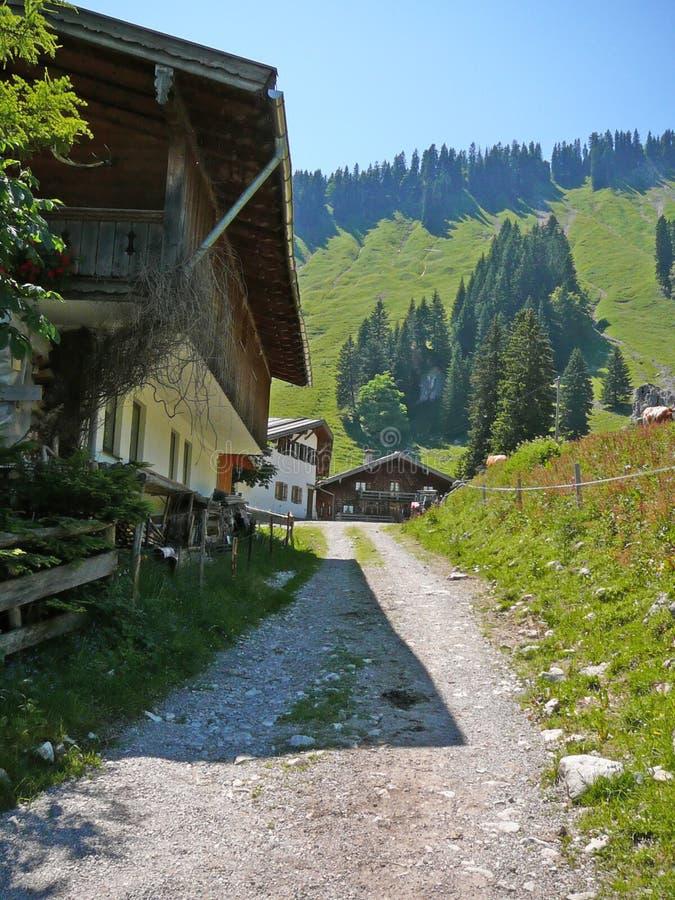 mała wioska bavarian alpy zdjęcia stock