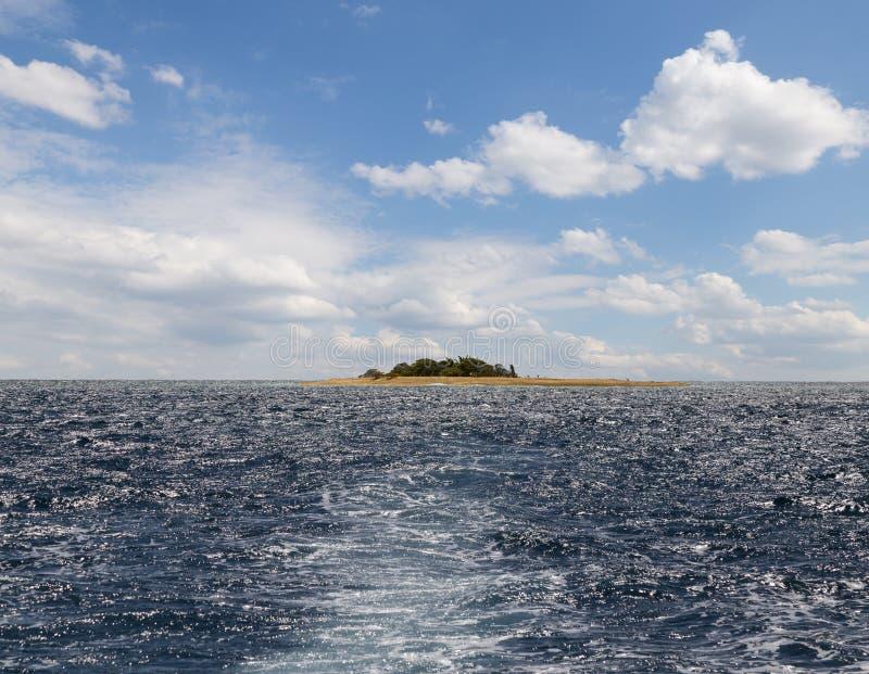 mała wyspa oceanu drucik obrazy stock