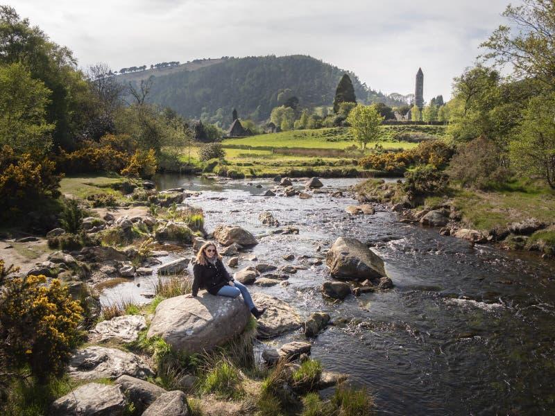 Mała zatoczki sztuka Glendalough w Wicklow górach Irlandia fotografia royalty free