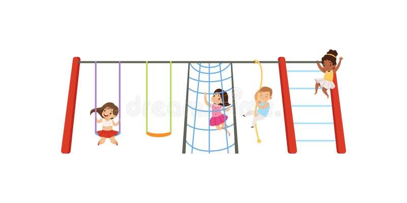 Małe dzieci ma zabawę na boisku, dzieciach huśta się na huśtawce, wspinaczkowej up drabinie i arkany wektorowej ilustraci na a, ilustracji