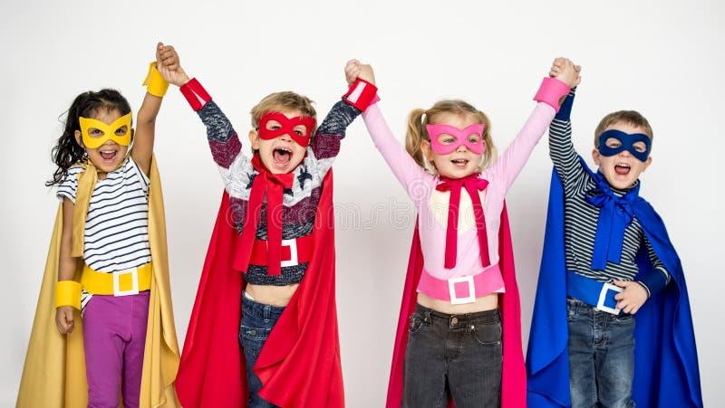 Małe Dzieci w bohatera kostiumu portrecie obrazy royalty free