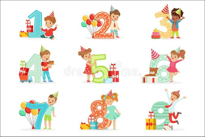 Małego Dziecka Urodzinowy świętowanie Ustawiający Z Uroczymi dzieciakami Stoi Obok Narastających cyfr Ich wiek ilustracja wektor