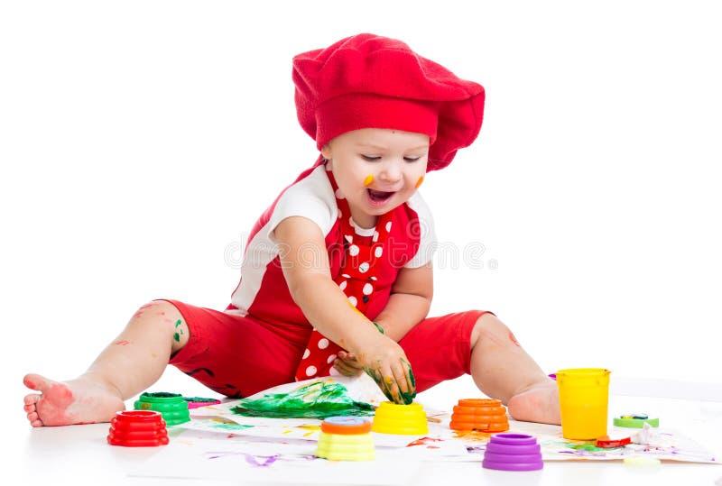 Mały artysty dziecka obraz palcami fotografia royalty free