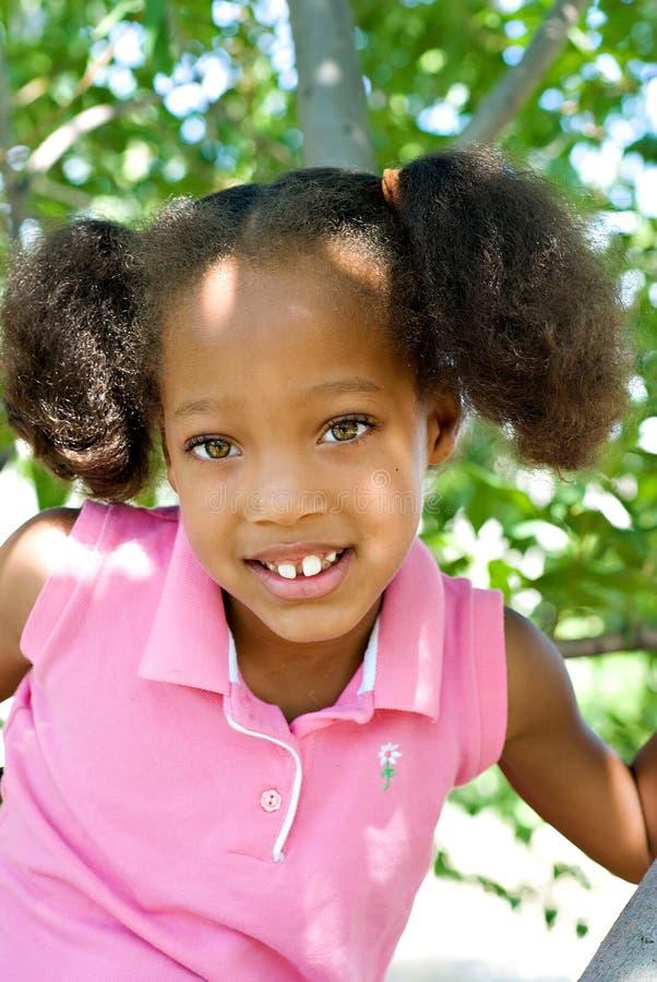 mały arywisty drzewo uśmiechasz zdjęcia royalty free
