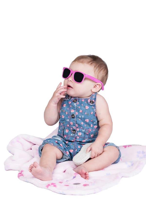 Mały berbeć z okularami przeciwsłonecznymi fotografia stock