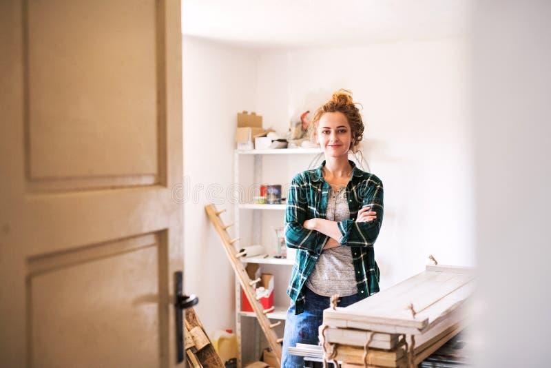 Mały biznes młoda kobieta obrazy royalty free