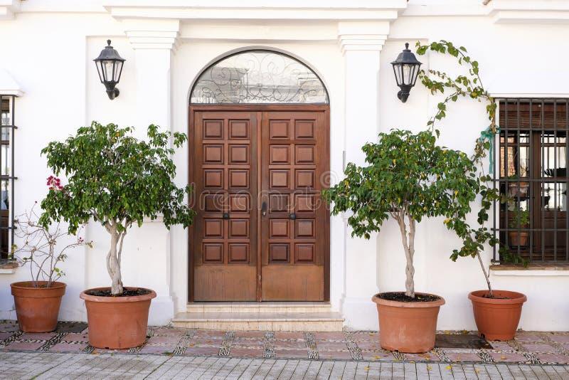Mały butika luksusowego hotelu dzwi wejściowy wejście Hiszpania zdjęcia stock
