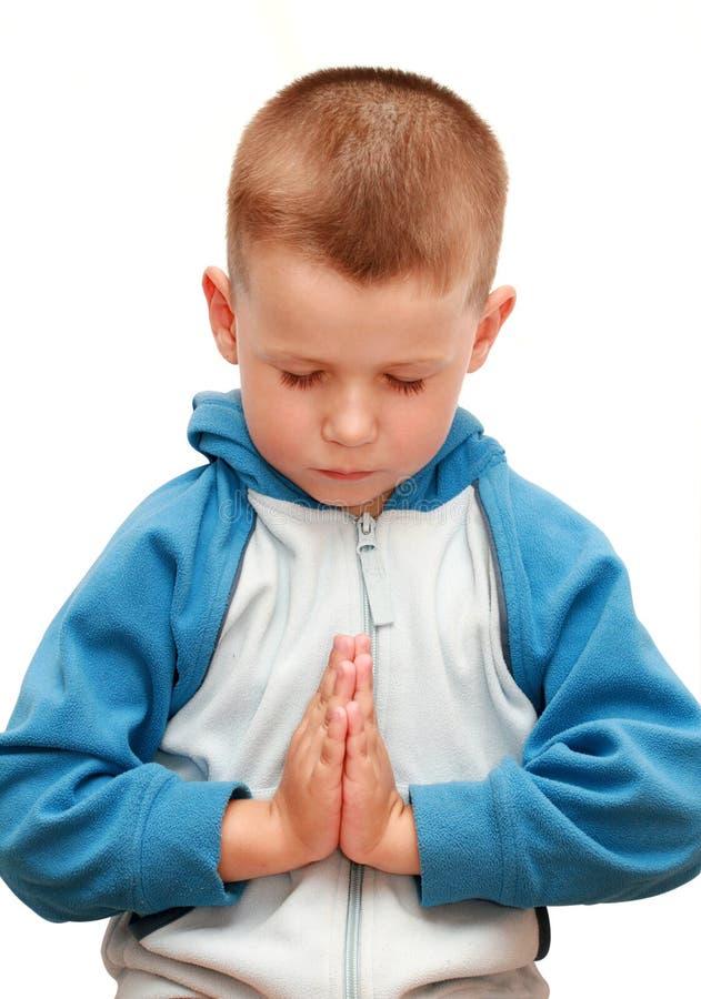 mały chłopiec modlenie fotografia royalty free