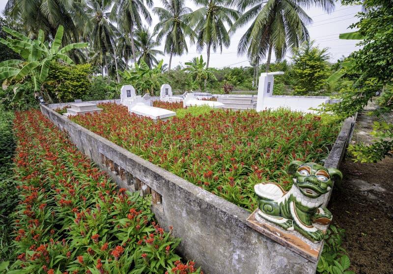 Mały cmentarz w Mekong delcie, Vietnam 2 fotografia royalty free