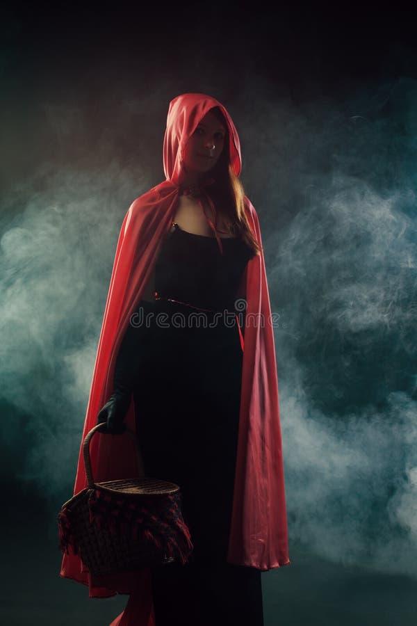 Mały Czerwony Jeździecki kapiszon zdjęcia royalty free