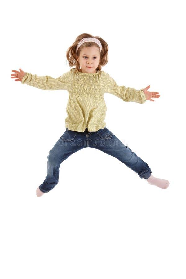 mały dziewczyny doskakiwanie obrazy royalty free
