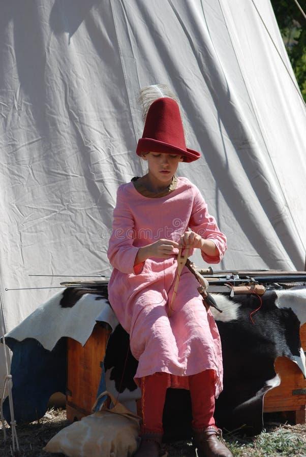 mały dziewczyny dzianie obrazy royalty free