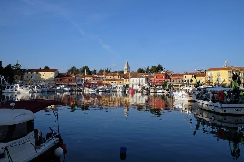 Mały idylliczny miasto Novigrad w Chorwacja zdjęcie stock