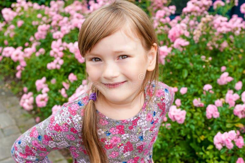 mały portret słodką dziewczynę zdjęcie stock