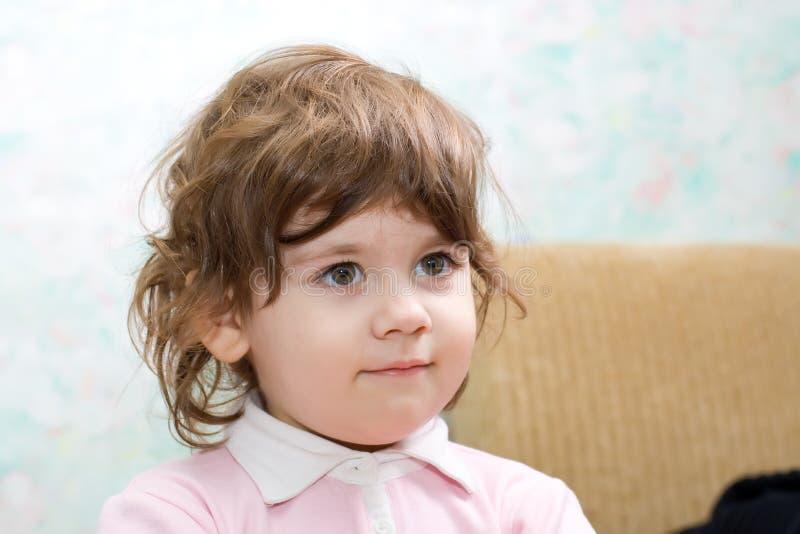 mały telewizor dziewczyny patrzą zdjęcie stock