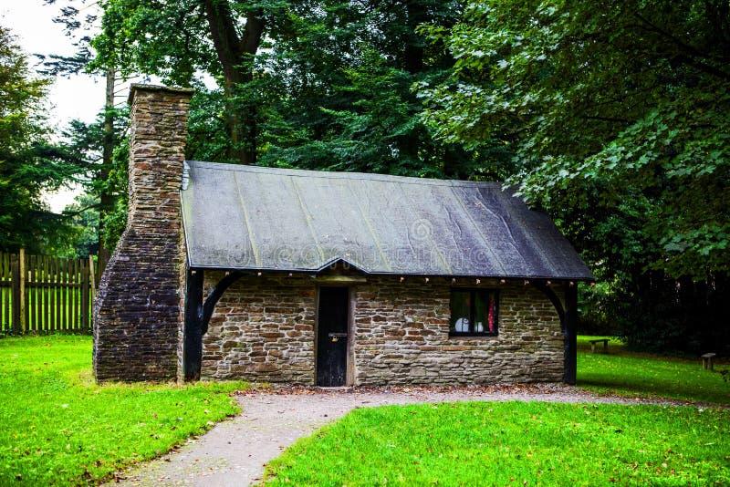 Mały tradycyjny dom przy Margam parkiem zdjęcia royalty free