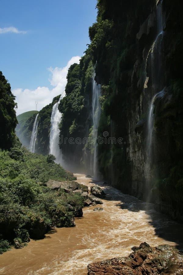 Download MA linghe Wasserfall stockfoto. Bild von grün, landschaften - 9099028
