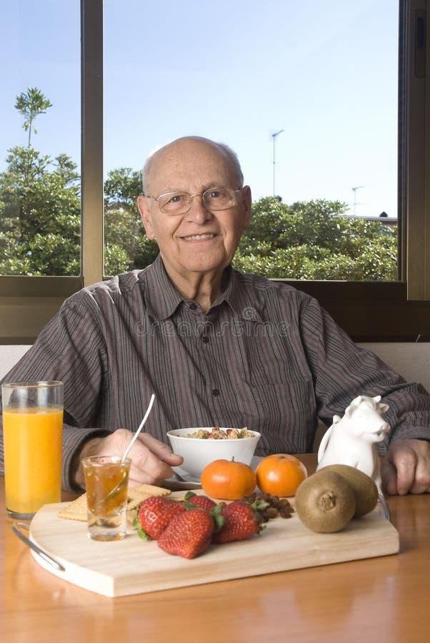 ma zdrowe śniadanie stary dowódca zdjęcia royalty free