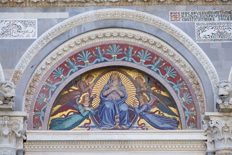 Maagdelijke Mary omringde door engelen royalty-vrije stock afbeeldingen