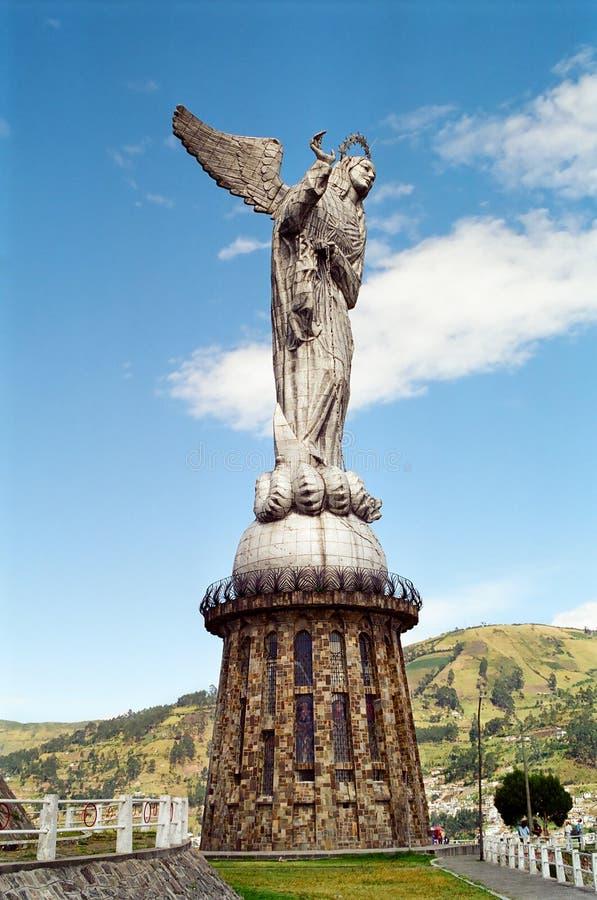 Maagdelijke Mary van het standbeeld van het Quito stock afbeeldingen
