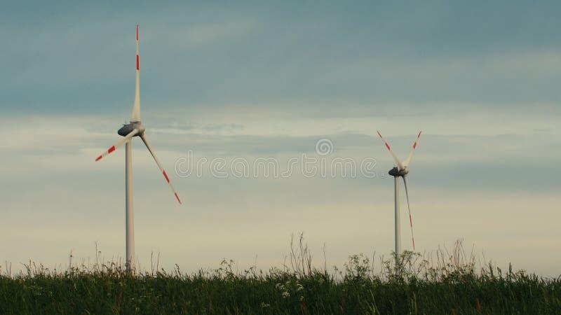 Maak en Duurzame energie, Windenergie, Turbine, Windmolen, Energieproductie schoon stock fotografie