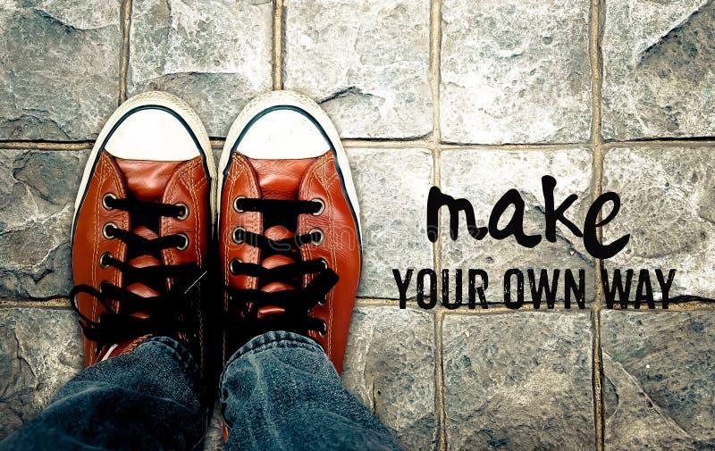 Maak uw eigen manier, Inspiratiecitaat stock fotografie