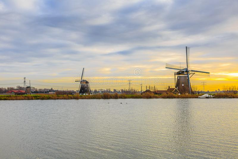 Maalt 1, 2 en 3 langs de Rotte-Rivier in Zuid-Holland voor het ontwateren van de polders royalty-vrije stock foto's