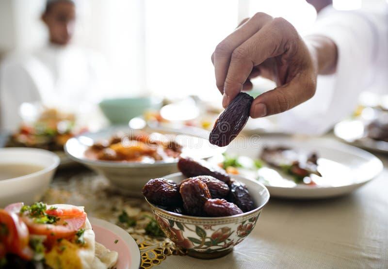 Maaltijd de van het Middenoosten van Suhoor of Iftar- stock afbeeldingen