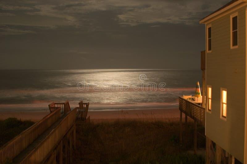 Maanlicht op de Oceaan stock foto's