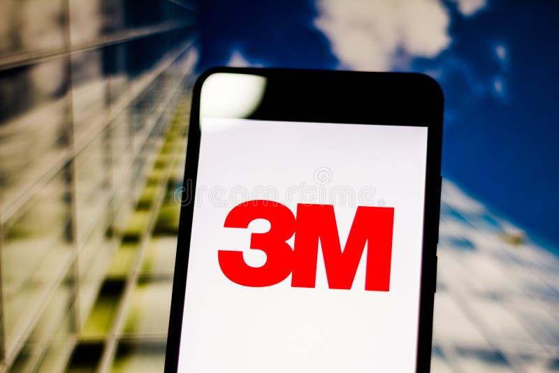 10 maart, 2019, Brazilië het embleem van 3M Company op het mobiele apparatenscherm Het is een Amerikaanse multinationale economis stock afbeelding