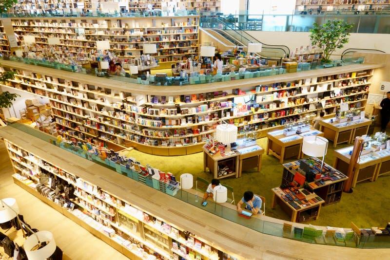 29 Maart 2019, Centraal festival eastville, Bangkok Thailand De moderne bibliotheek en de boekhandel verfraaien mooi royalty-vrije stock fotografie