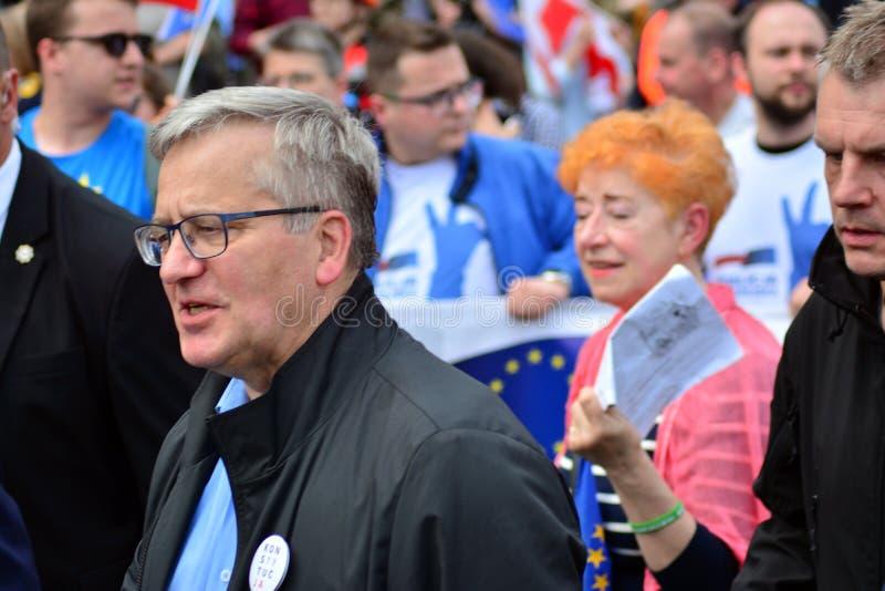 Maart ?Polen in Europa ? Vroegere Poolse voorzitter Bronislaw Komorowski stock fotografie